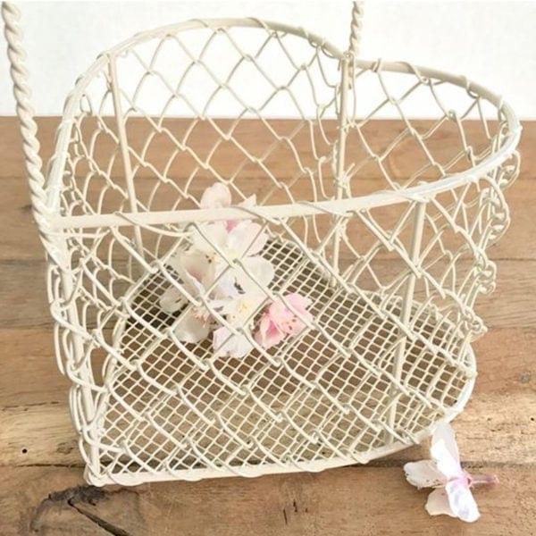 Cream Wire Heart Basket Medium Close Up
