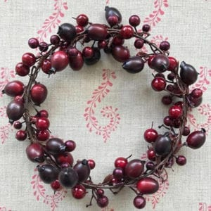 Red Berry & Rose-hip Wreath-Candle Ring