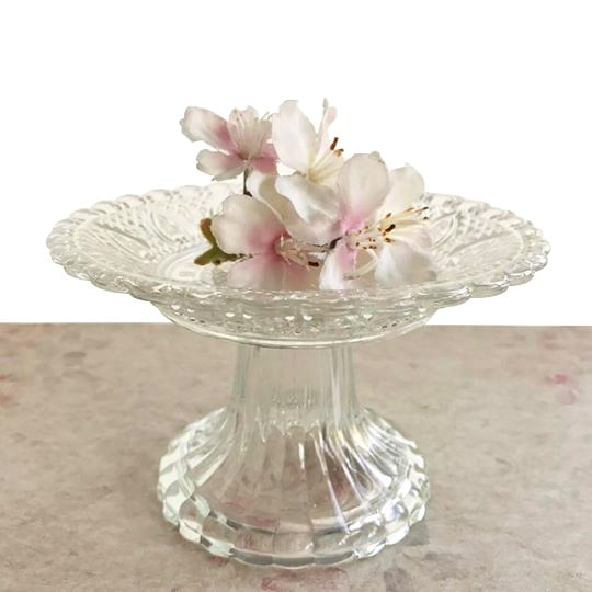 Vintage Style Cupcake Stand Close Up White
